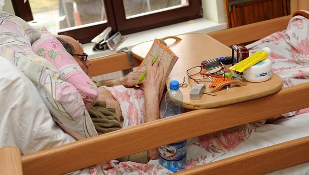 Szokujące dane. Nieuleczalnie chorzy pacjenci muszą czekać aż 30 dni na miejsce w hospicjum