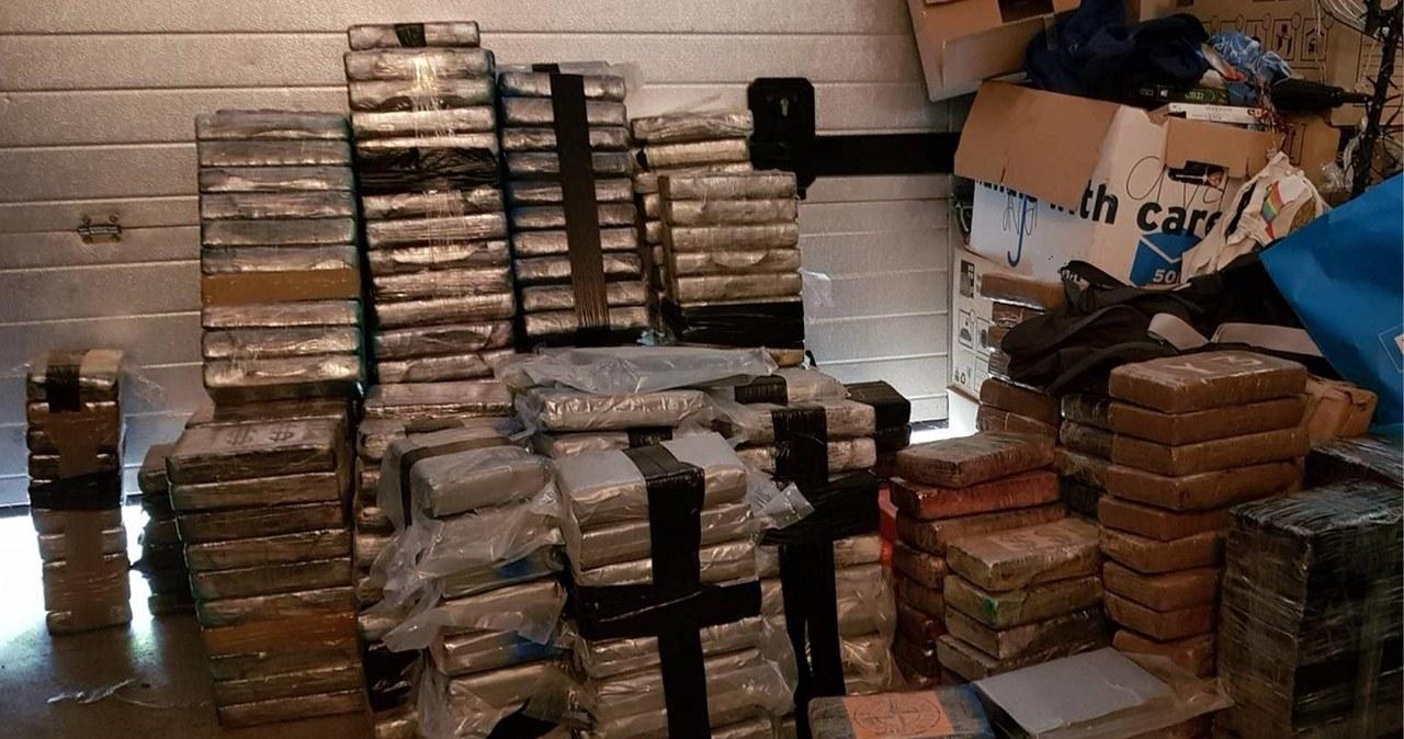"""""""Szopa po brzegi wypełniona narkotykami"""". Policjanci zabezpieczyli towar wart ponad 200 mln euro"""