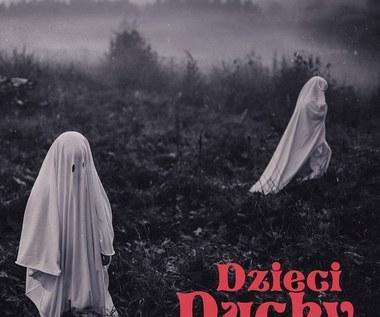 """Szpaku & Kubi Producent """"Dzieci duchy"""": Rap, który wali w łeb na osiedlu [RECENZJA]"""