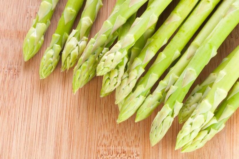 Szparagi są bardzo zdrowe /123RF/PICSEL