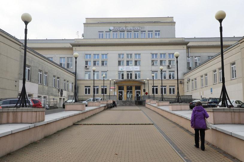 Szpital Bielański w Warszawie / Jakub Kamiński    /East News