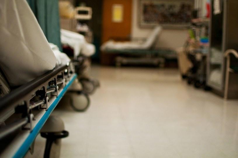Szpital nie przyjął nieprzytomnego dziecka /123RF/PICSEL