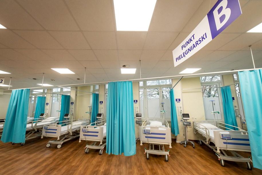 Szpital tymczasowy w Ciechocinku / Tytus Żmijewski    /PAP