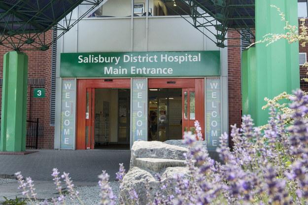 Szpital w Salisbury, do którego trafiła para /Rick Findler    /PAP/EPA