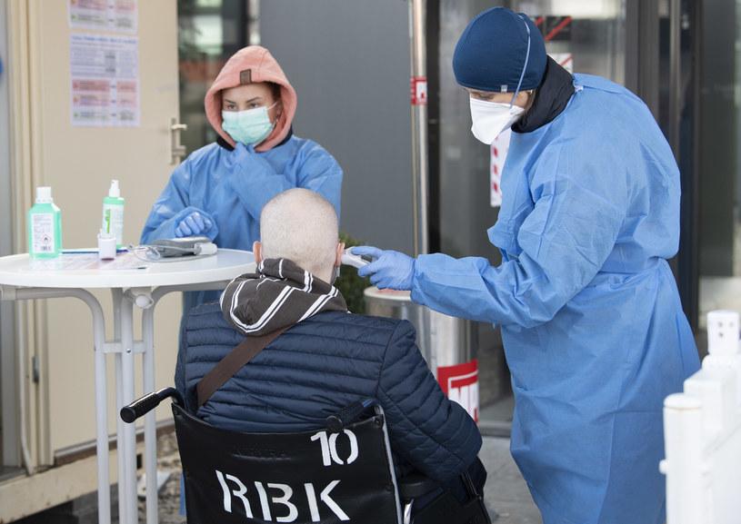 Szpital w Stuttgarcie /THOMAS KIENZLE/AFP /AFP