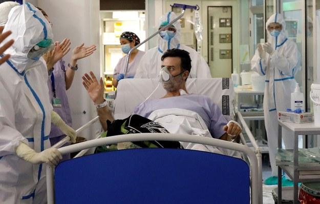 Szpital w Walencji /JUAN CARLOS CARDENAS /PAP/EPA