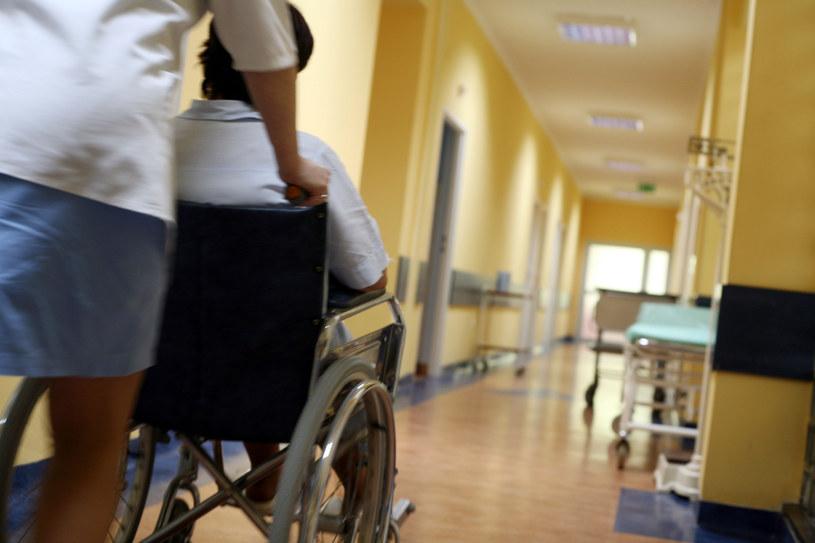 Szpital, zdjęcie ilustracyjne /Andrzej Wawok /Reporter