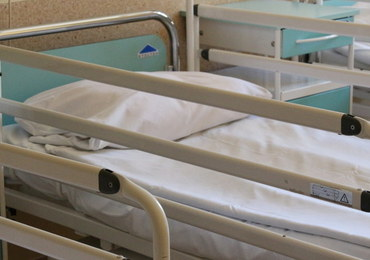 Szpitale nadal pracują w zaostrzonym reżimie sanitarnym [PORADNIK PACJENTA]