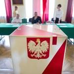 Sztaby wyborcze zapłacą kary za nielegalne rozwieszanie plakatów