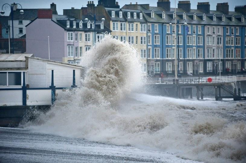 Sztormowa pogoda w Wielkiej Brytanii /PAP/EPA