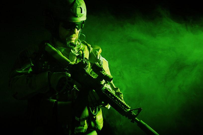Sztuczna inteligencja będzie rozmawiać z żołnierzami /123RF/PICSEL