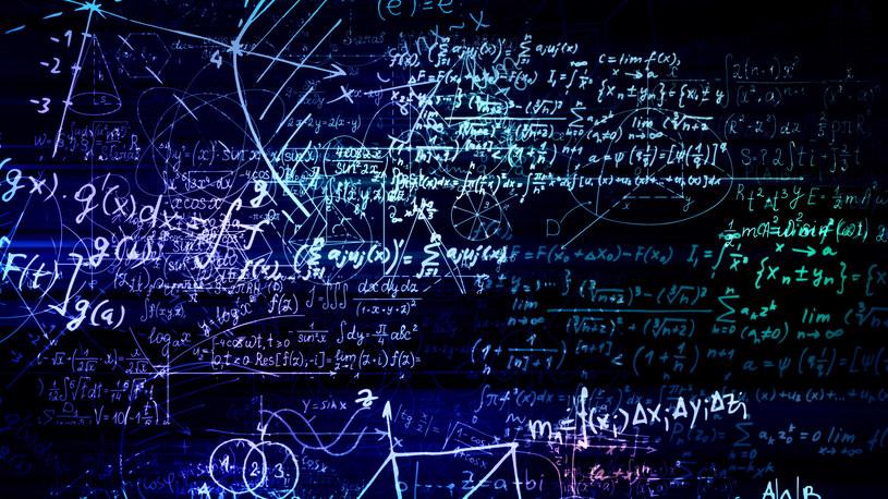 Sztuczna inteligencja rozwiązała fundamentalne równanie mechaniki kwantowej /123RF/PICSEL