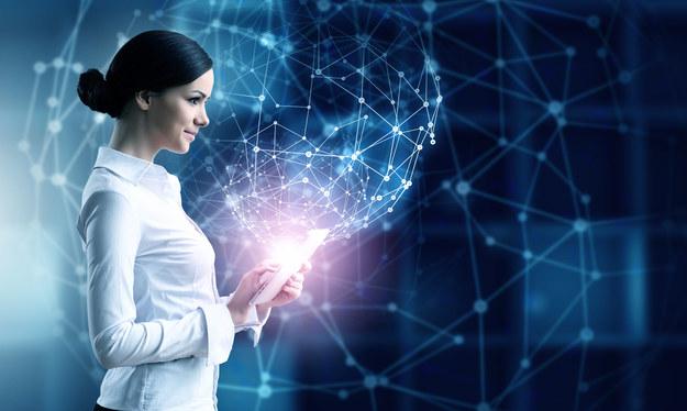 Sztuczna inteligencja zrewolucjonizuje rynek pracy /123RF/PICSEL