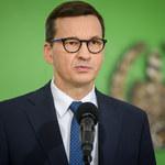 """""""Szturm na granicę polską"""". Premier Mateusz Morawiecki o zmarłych w pobliżu granicy"""