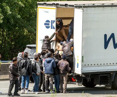 Szturm nielegalnych imigrantów na tunel pod kanałem La Manche