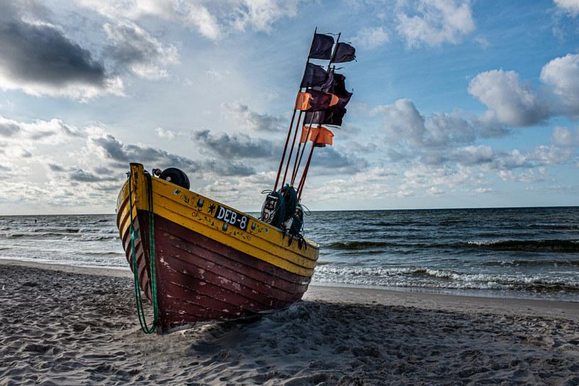 Szukasz spokojnej plaży. Białogóra to idealny wybór /Grzegorz Banaszak/REPORTER /Reporter
