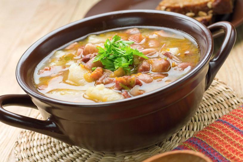 Szwabska zupa fasolowa /123RF/PICSEL