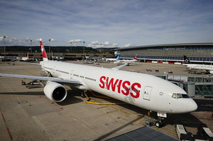 Szwajcarskie linie lotnicze wyrzucą niezaszczepionych pracowników