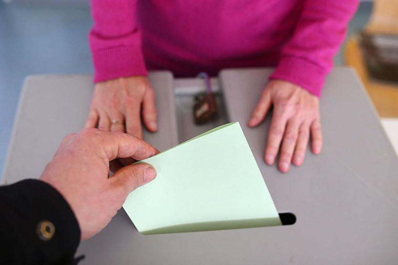 Szwajcarzy lubią głosować /Getty Images