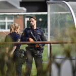 Szwecja: Uczeń zaatakował nauczyciela nożem. Założył maskę kościotrupa