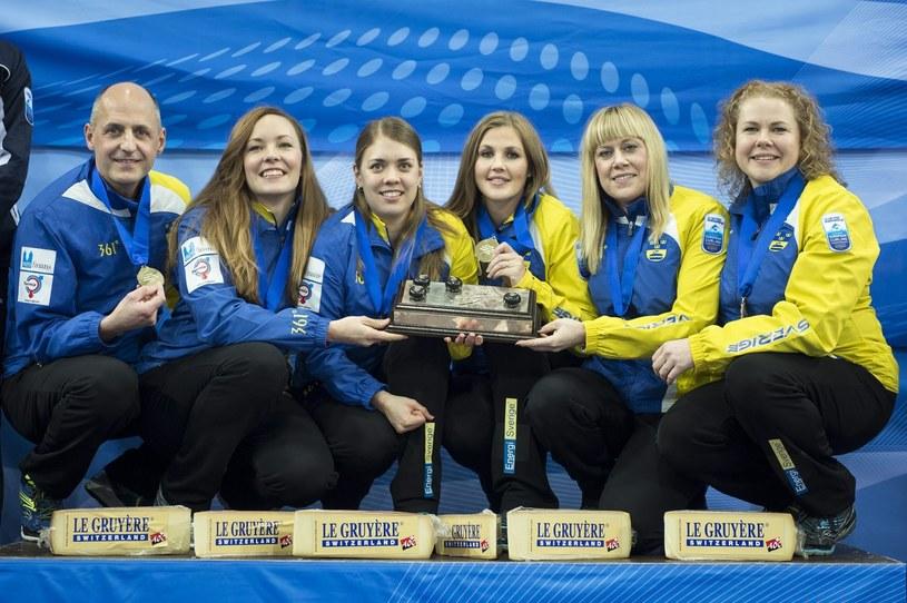 Szwedki zdobyły złoty medal mistrzostw Europy w curlingu /PAP/EPA