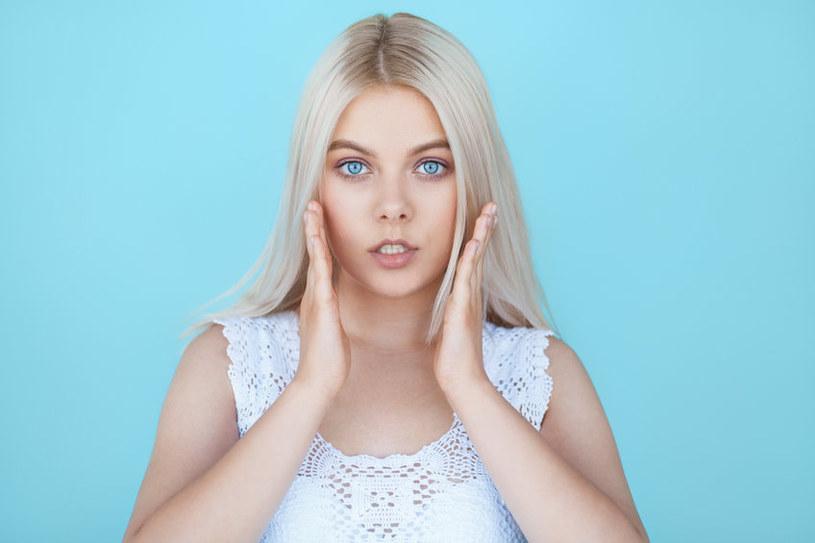 Szwedzki blond pasuje kobietom o niebieskich oczach /123RF/PICSEL