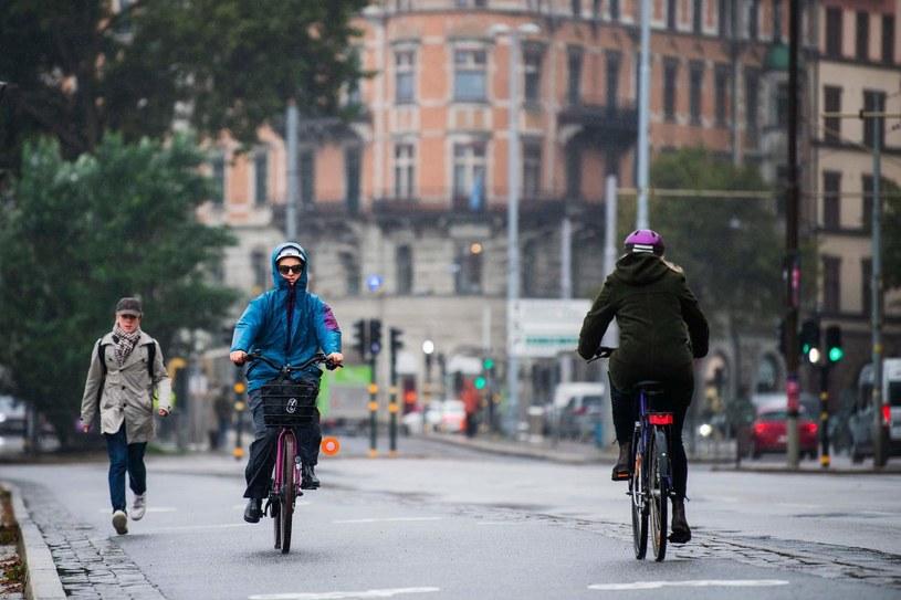 Szwedzki rząd wprowadził kolejne obostrzenia w związku z największym od początku epidemii koronawirusa przyrostem nowych zakażeń /AFP