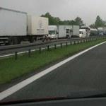 Szybciej przybywa nowych dróg niż nowych aut