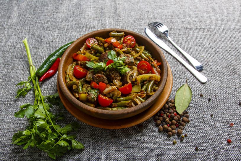 Szybki przepis na sycący obiad /123RF/PICSEL