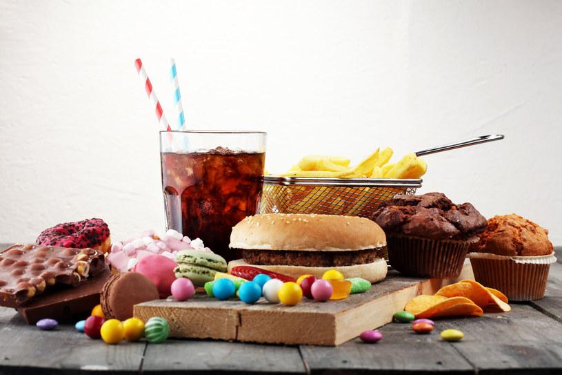 Szybkie tempo życia nie pomaga w zdrowym odżywianiu /123RF/PICSEL