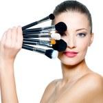 Szybkie triki na poprawę makijażu