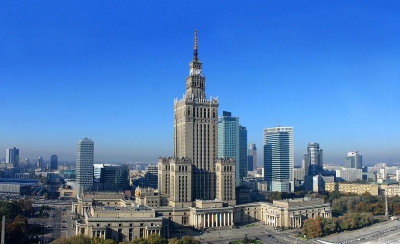 """""""Szybko rosnące wieżowce w centrum Warszawy"""" /123RF/PICSEL"""