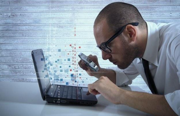 Szyfrowanie było na porządku dziennym jeszcze w czasach starożytnych. Dzisiaj zamiast rozkazów Juliusza Cezara, cyfrowe szyfry strzegą tajemnic rządów oraz firm /123RF/PICSEL