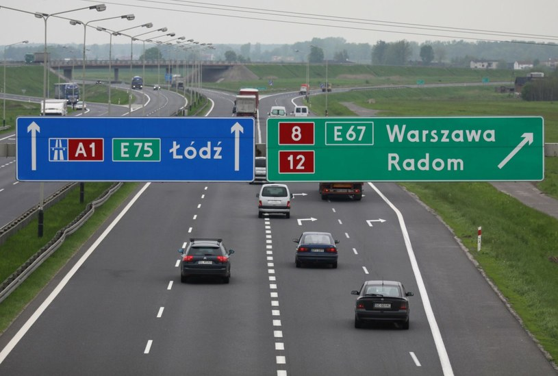 Szykują się zmiany w oznakowaniu dróg krajowych /Łukasz Jóźwiak /Agencja SE/East News