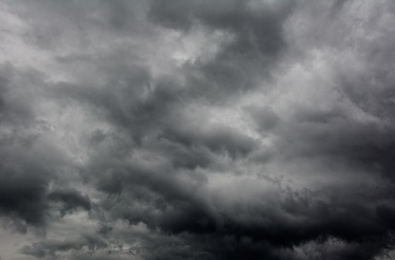 Szykuje się zmiana pogody. Będzie pochmurno i deszczowo /123RF/PICSEL