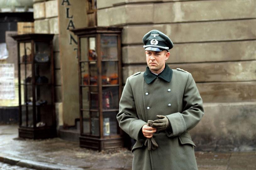 """Szymon jako kapitan Macke w """"Karol. Człowiek, który został papieżem"""" /Twój Styl"""