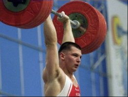 Szymon Kołecki ma jeszcze jedną szansę na uzyskanie minimum olimpijskiego /AFP
