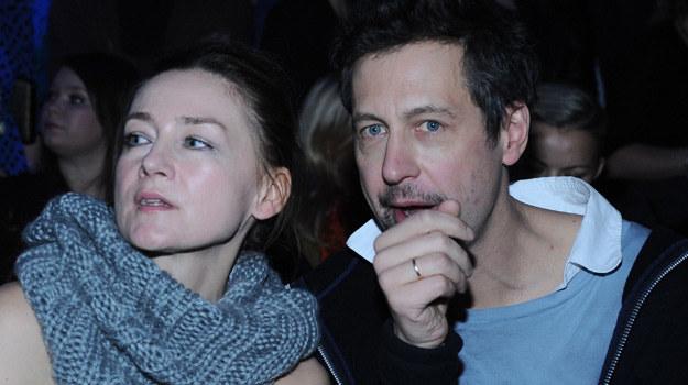 Szymon Majewski z żoną na... pokazie mody / fot. Andras Szilagyi /MWMedia