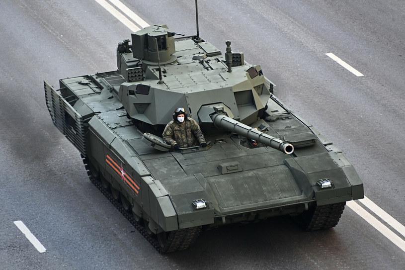 T-14 podczas defilady w Moskwie /SPUTNIK Russia /East News