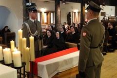 T. Mazowiecki spoczął na cmentarzu w Laskach