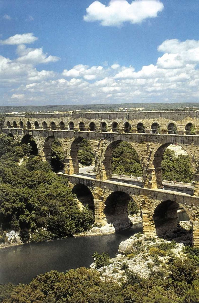 Ta budowla nie została zbudowana jako most, ale jako... wodociąg. /Pienkos A. /Agencja FORUM