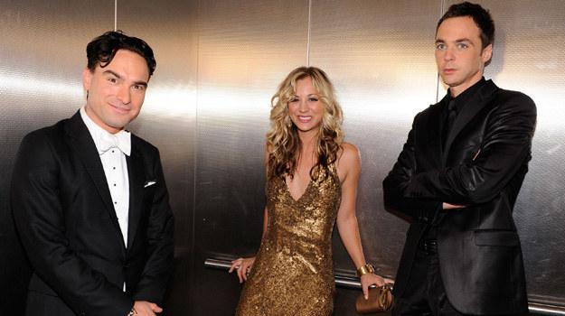 """Ta trójka ma powody do zadowolenia. """"Teoria..."""" ma ponad 20 milionową widownię. /Kevork Djansezian /Getty Images"""