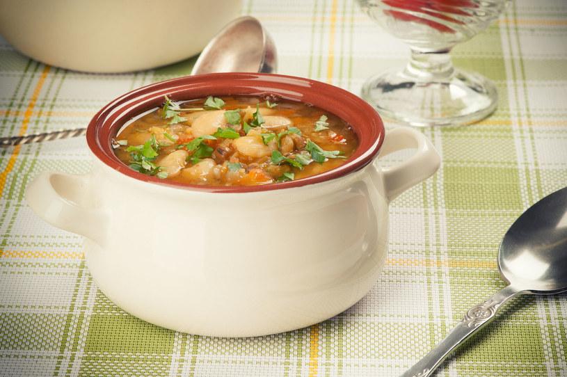 Ta zupa jest bardzo pożywna /123RF/PICSEL