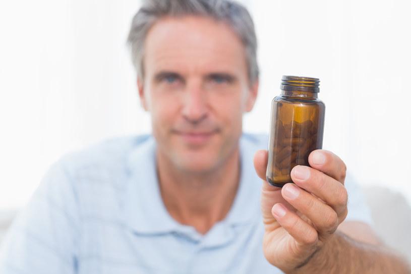 Tabletki na chrapanie /© Photogenica