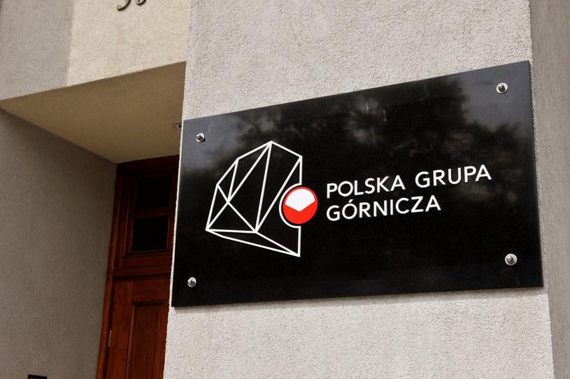 Tablica Polska Grupa Górnicza na budynku Kompanii Węglowej /LUKASZ KALINOWSKI /East News