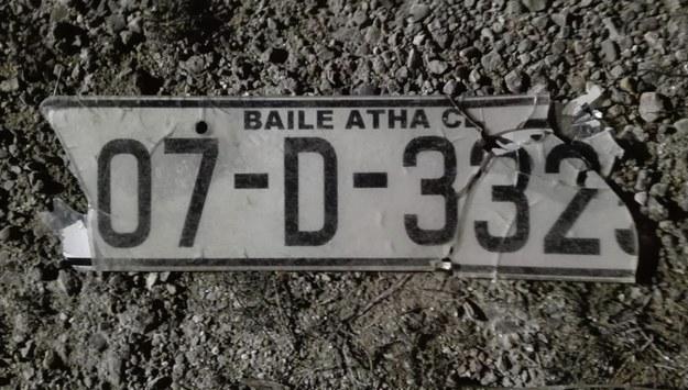 Tablica rejestracyjna znaleziona na miejscu wypadku /KWP Olsztyn /Policja
