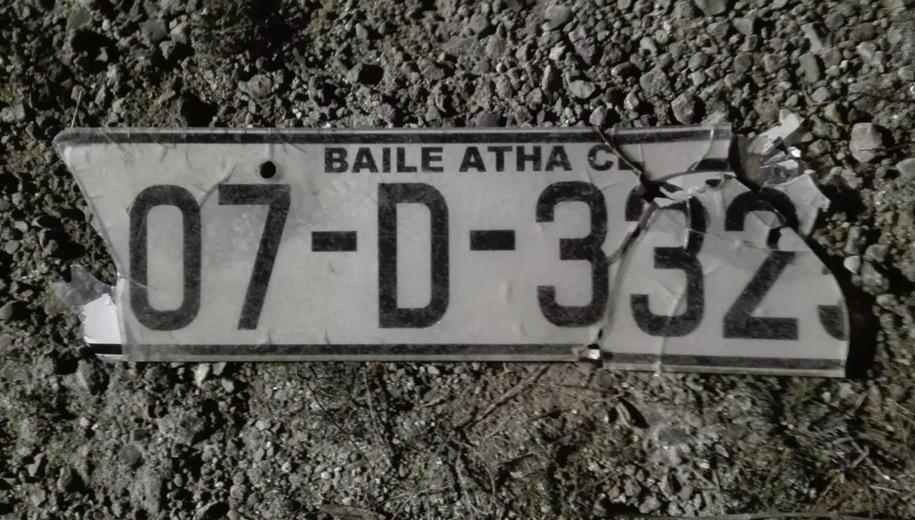 Tablica rejestracyjna znaleziona na miejscu wypadku /KWP Olsztyn /