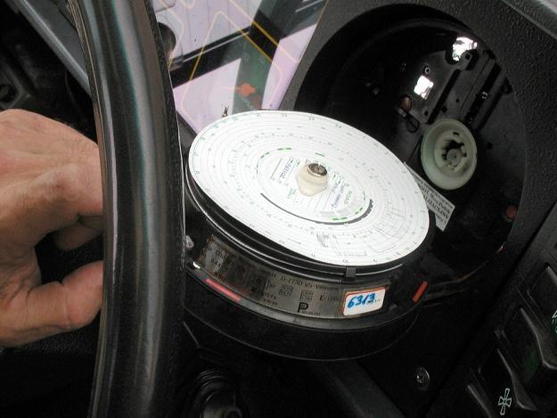 Tachografy można oszukać... / Fot: Artur Przybysz /East News