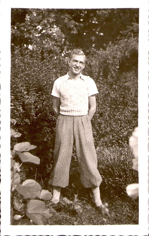 Tadeusz Łabędzki - zdjęcie z archiwum rodzinnego wykonane w Mrodze Dolnej około 1938 r. /Archiwum autora