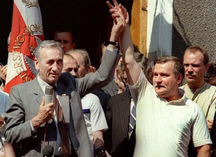 Tadeusz Mazowiecki i Lech Wałęsa w 1989 roku /arch. AFP